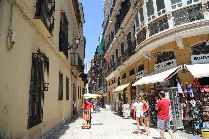 Souvenirs from Malaga, Shopping in Malaga